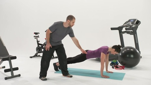 Exercices et articulations - Conseils de mise en forme de Canadian Tire - image 8 from the video