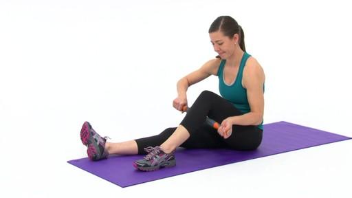 Rouleau de massage Restore pour le corps - image 6 from the video
