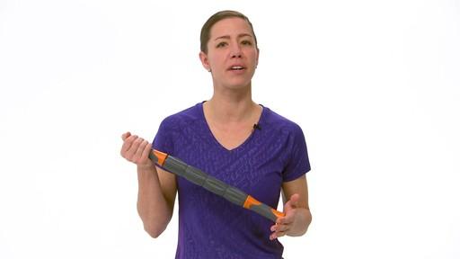 Rouleau de massage Restore pour le corps - image 9 from the video