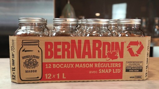 Bocaux mason réguliers BERNARDIN® 1 L - image 8 from the video