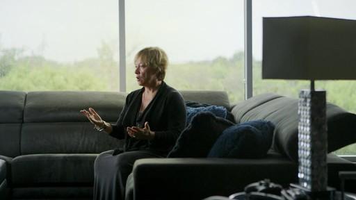 Andrée Gilbert (Nous jouons tous pour le Canada) - image 1 from the video