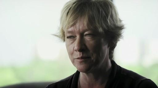 Andrée Gilbert (Nous jouons tous pour le Canada) - image 10 from the video