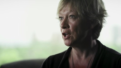 Andrée Gilbert (Nous jouons tous pour le Canada) - image 2 from the video
