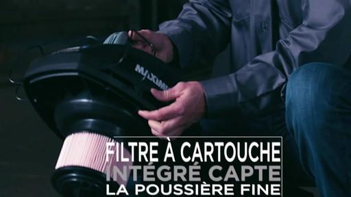 Aspirateur de déchets secs et humides portable MAXIMUM, 19 L  - image 8 from the video