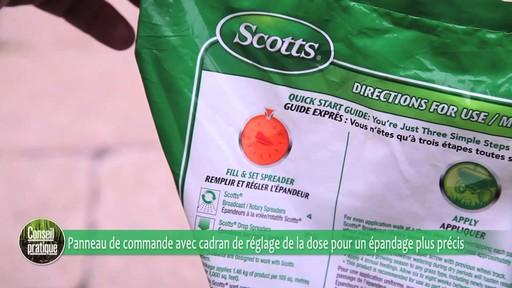 Utilisation d'un épandeur pour la pelouse - image 5 from the video