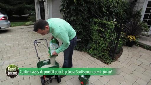 Utilisation d'un épandeur pour la pelouse - image 6 from the video