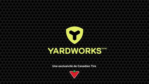 Scie à chaîne à moteur sans balais Yardworks, 40 V, 14 po - image 10 from the video