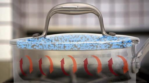 Batterie de cuisine martelée à main Lagostina, 12 pces - image 3 from the video