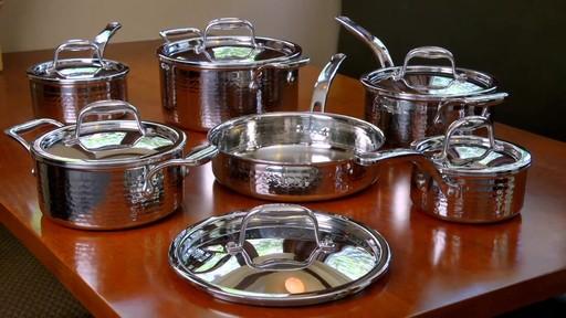 Batterie de cuisine martelée à main Lagostina, 12 pces - image 8 from the video