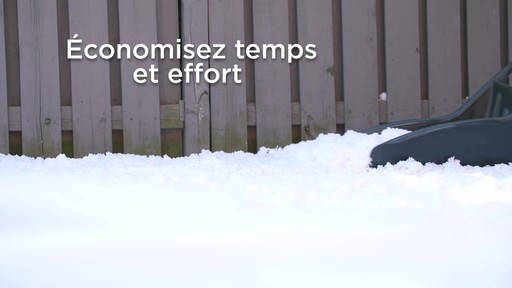 Pousse-neige Yardworks, 22 po - image 7 from the video