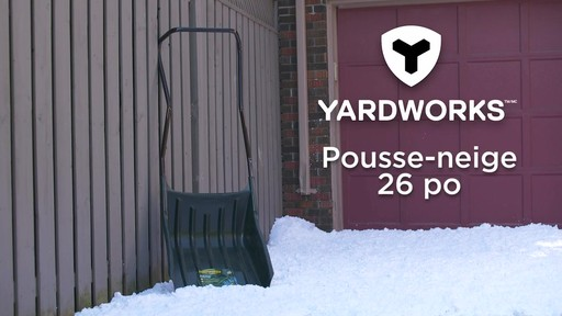 Pousse-neige Yardworks, 22 po - image 9 from the video