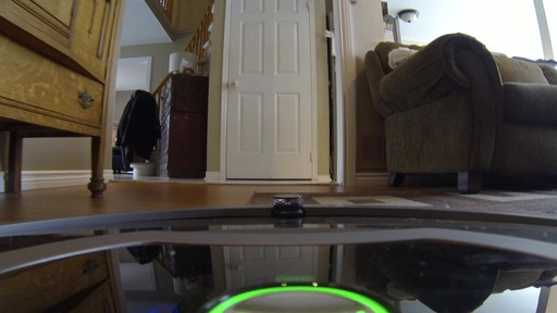 Aspirateur-robot Roomba 770 - image 2 from the video