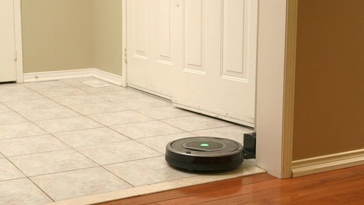 Aspirateur-robot Roomba 770 - image 8 from the video