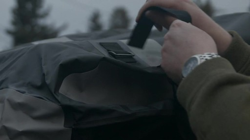 Sac de toit CCM de luxe, 14,5 pi3 - Témoignage de Shaun - image 8 from the video