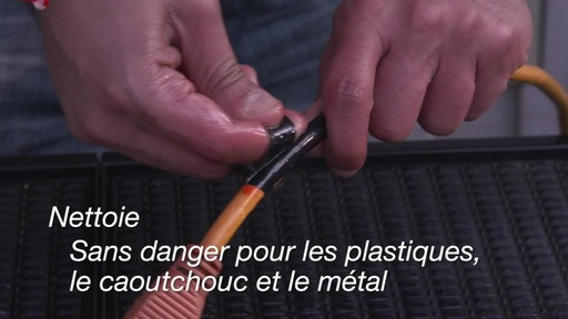 Lubrifiant tout usage WD-40 - image 7 from the video