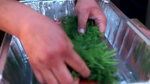 Bradley Smokers - Pour la cuisson de saumon fumé à chaud Bradley - image 2 from the video