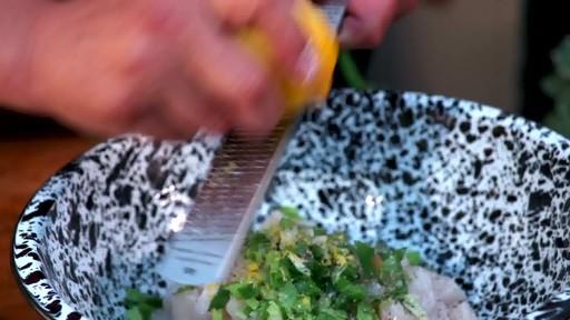 Bradley Smokers - Pour la cuisson de saumon fumé à chaud Bradley - image 7 from the video