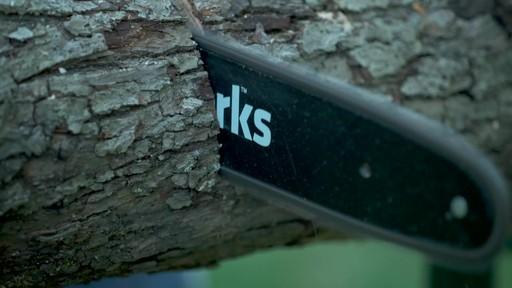 Scie à chaîne sans fil 40 V Greenworks – Témoignage - image 4 from the video