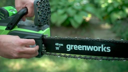 Scie à chaîne sans fil 40 V Greenworks – Témoignage - image 8 from the video