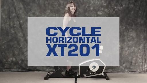 Vélo stationnaire incliné Xterra XT201R - image 1 from the video