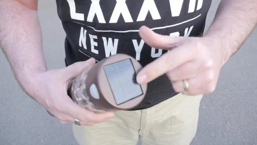 Lampe solaire de sentier NOMA PIR avec Matthew - Témoignage de TESTE - image 2 from the video