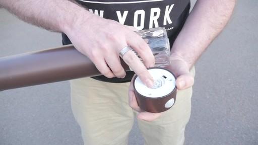 Lampe solaire de sentier NOMA PIR avec Matthew - Témoignage de TESTE - image 3 from the video
