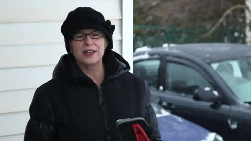 Balai à neige antirayures Garant – Témoignage de Lise - image 10 from the video