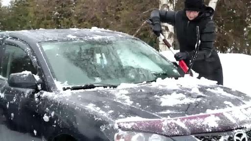 Balai à neige antirayures Garant – Témoignage de Lise - image 7 from the video