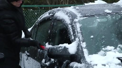 Balai à neige antirayures Garant – Témoignage de Lise - image 9 from the video
