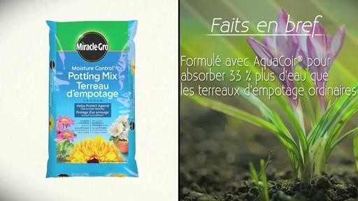 Terreau d'empotage pour plantes en pots - image 8 from the video