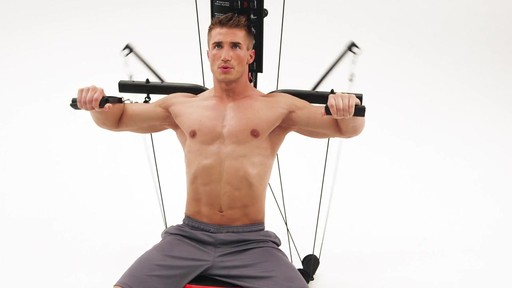 Appareil de musculation Bowflex PR3000 - image 2 from the video