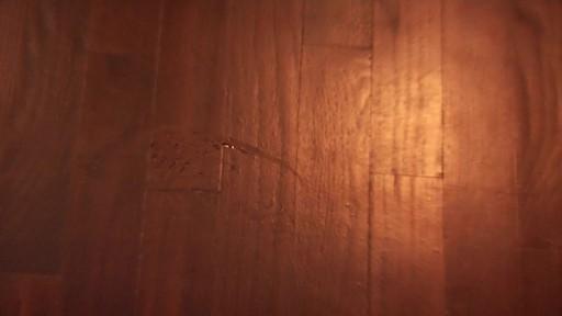 Nettoyant pour planchers en bois dur et laminé ZEP Commercial - image 1 from the video