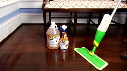 Nettoyant pour planchers en bois dur et laminé ZEP Commercial - image 7 from the video