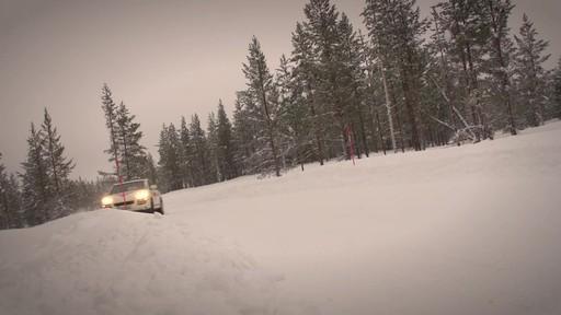 Rouler sur les pneus d'hiver en été  - image 2 from the video