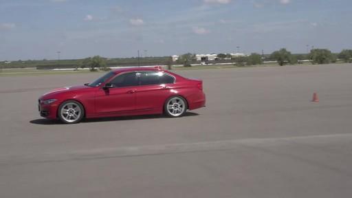 Rouler sur les pneus d'hiver en été  - image 5 from the video