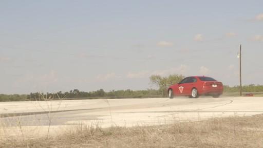 Rouler sur les pneus d'hiver en été  - image 7 from the video