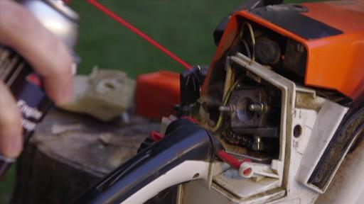Produit MotoMaster pour entreposage de moteur - image 4 from the video