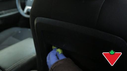 Trousse de restauration de garnitures Simoniz – Témoignage de Terry - image 10 from the video