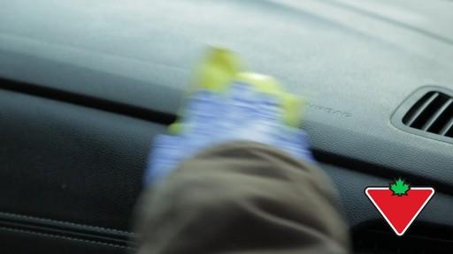 Trousse de restauration de garnitures Simoniz – Témoignage de Terry - image 7 from the video