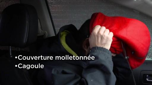 Kit de sécurité en hiver Canadian Tire - image 3 from the video
