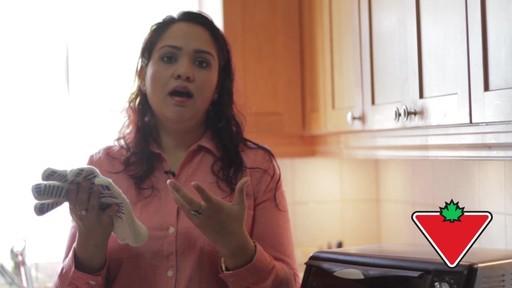 Gant de cuisine Ove Glove – Témoignage de Chand - image 5 from the video