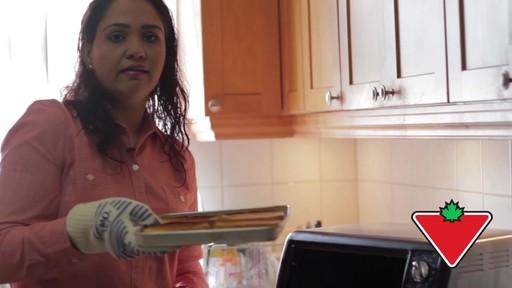 Gant de cuisine Ove Glove – Témoignage de Chand - image 8 from the video