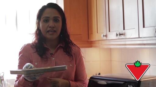 Gant de cuisine Ove Glove – Témoignage de Chand - image 9 from the video