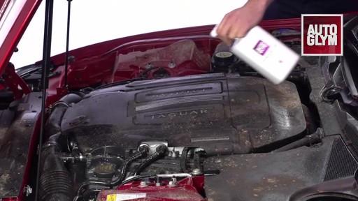 Nettoyant pour moteur et machinerie Autoglym - image 2 from the video