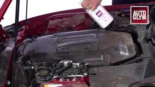 Nettoyant pour moteur et machinerie Autoglym - image 3 from the video