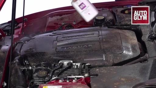 Nettoyant pour moteur et machinerie Autoglym - image 4 from the video