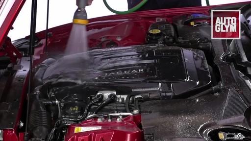 Nettoyant pour moteur et machinerie Autoglym - image 7 from the video