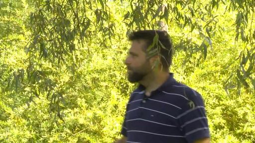 Sécateur à contre-lame Fiskars de professionnel - Témoignage d'Éric  - image 6 from the video