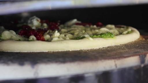 Four à pizza PizzaQue- Vue d'ensemble - image 8 from the video