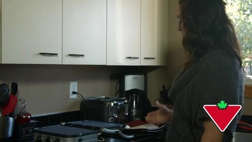 Gril 5 en 1 Cuisinart Griddler – Témoignage de Keri - image 10 from the video
